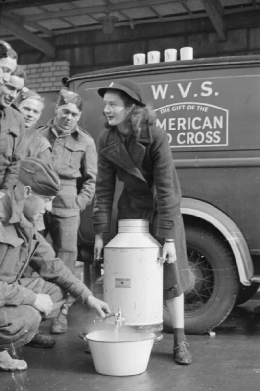 WWII photos Blitz_Canteen-_Women_of_the_Women's_Voluntary_Service_Run_a_Mobile_Canteen_in_London,_England,_1941_D2173