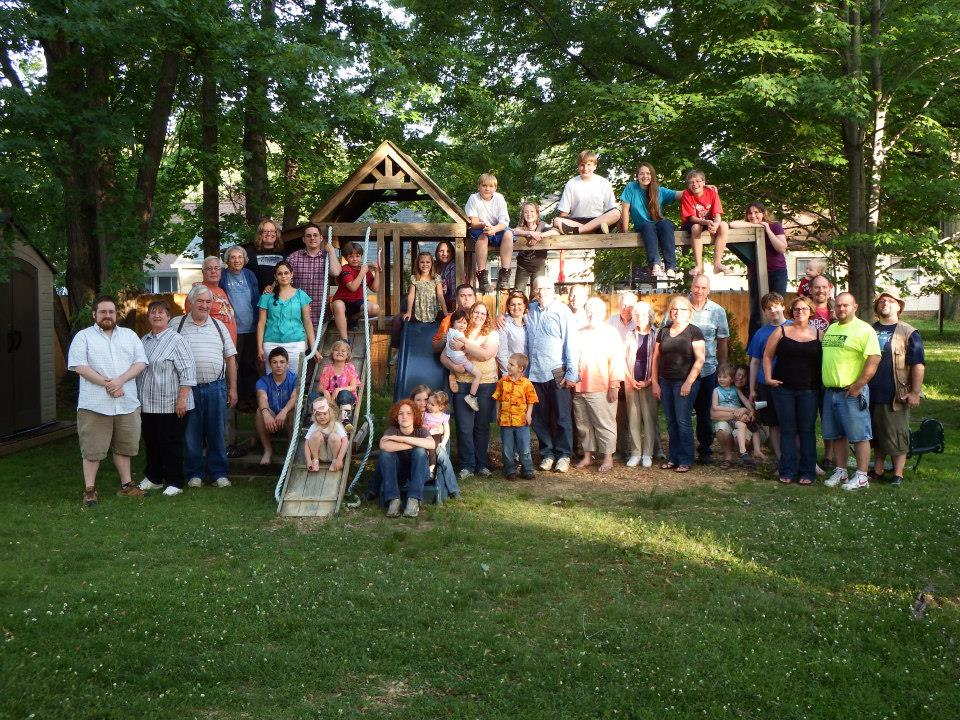 Organize a Family Reunion on Facebook? 9 Tips You Can Use