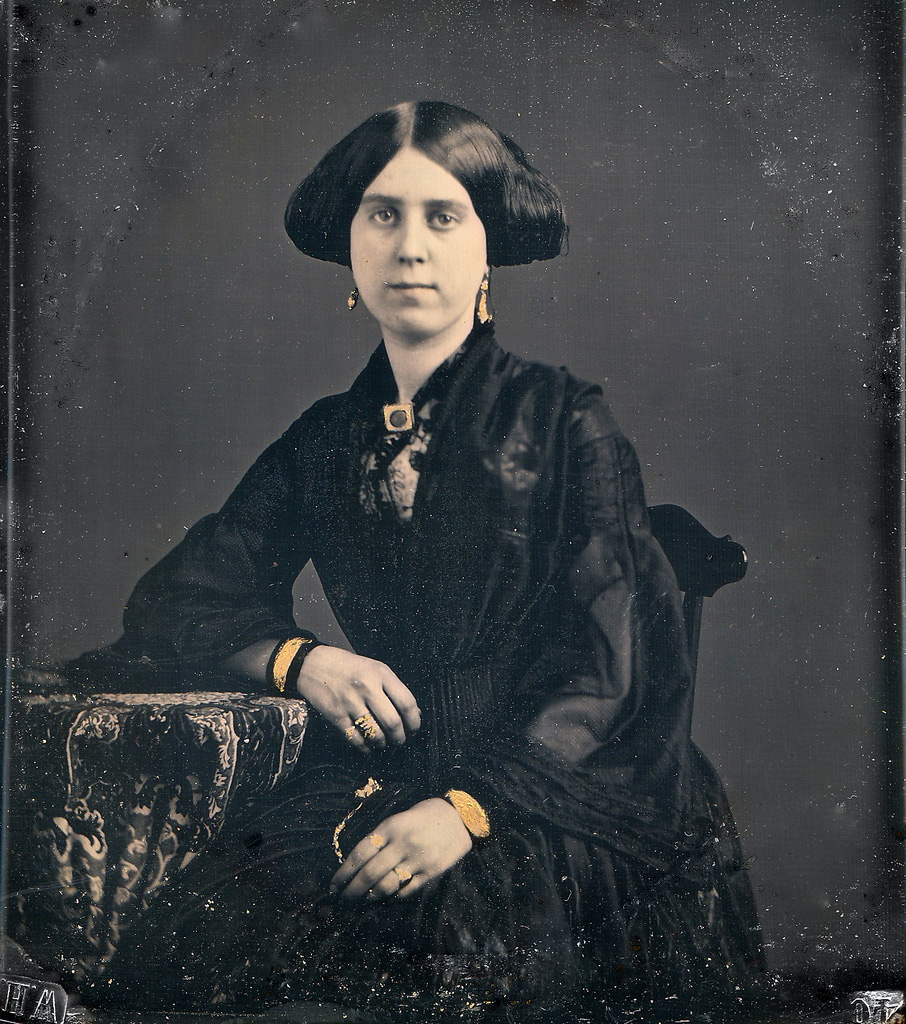 lady_in_black_daguerreotype genealogical sources