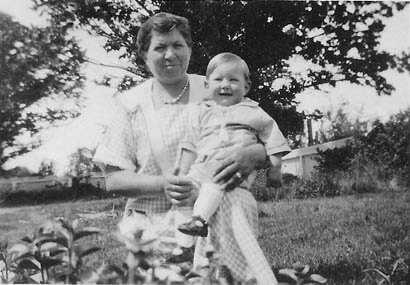 Roy with his mother, Marie Thran, c summer 1927